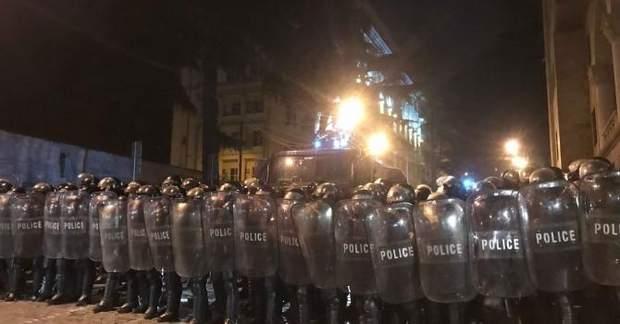 грузія тбілісі протести мітинг розгін водомет
