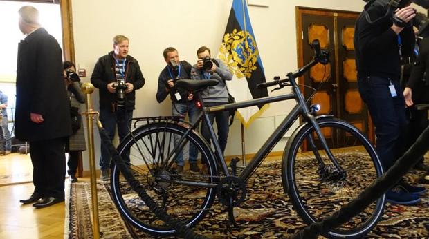 велосипед зеленський естонія подарунок