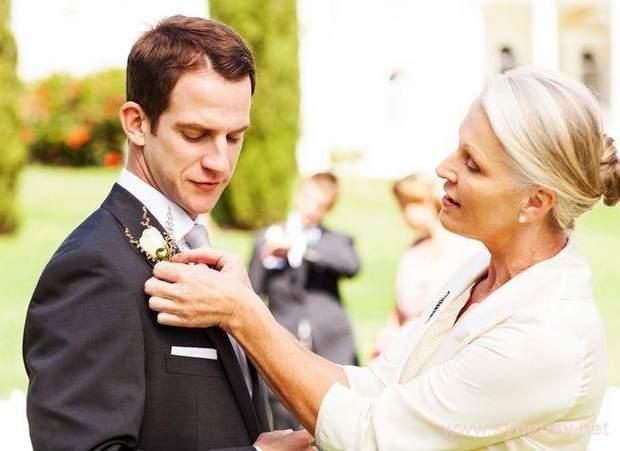 Чоловіки одружуються на жінках, схожих на матерів