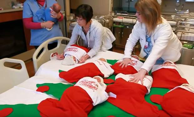 Різдвяні панчохи для дітей шиють волонтери