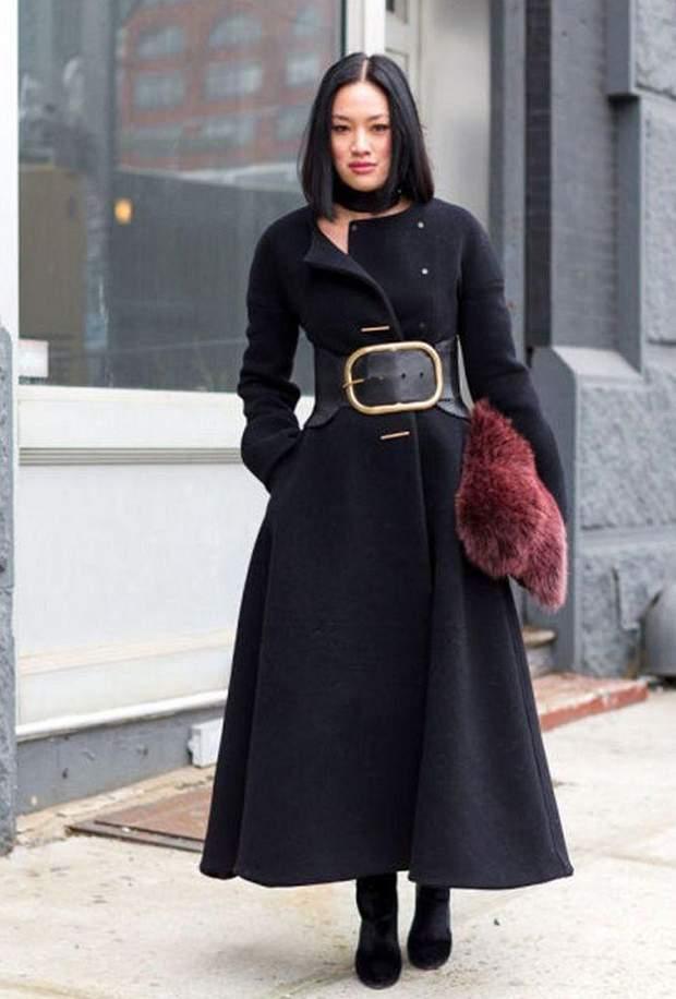 Пальто з яскравим А-силуетом
