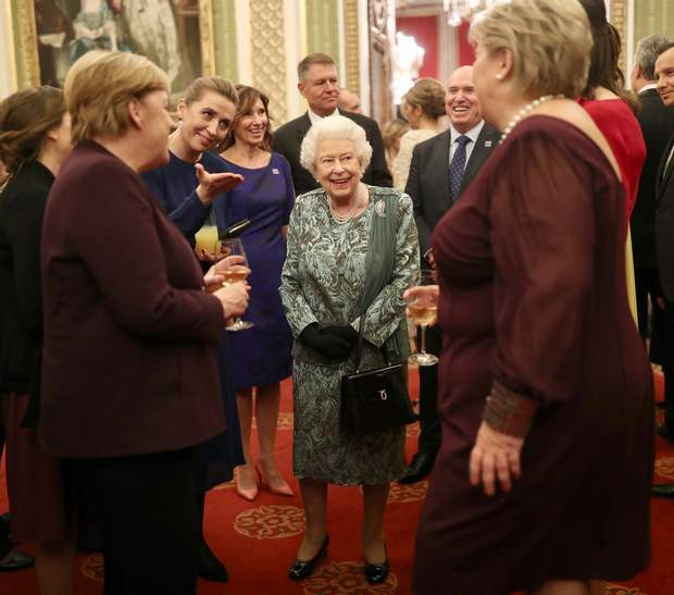 Єизавета ІІ у Букінгемському палаці