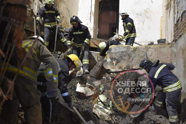 пожежа одеси троїцька коледж жертви рятувальники