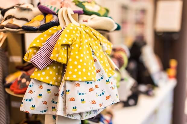 Дитячий одяг продається швидко