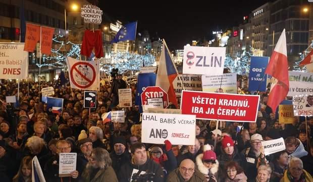 чехія протести премєр-міністр