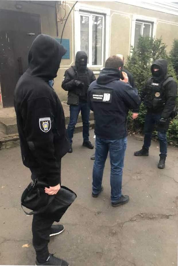 хабар ДБР слідчий одеса
