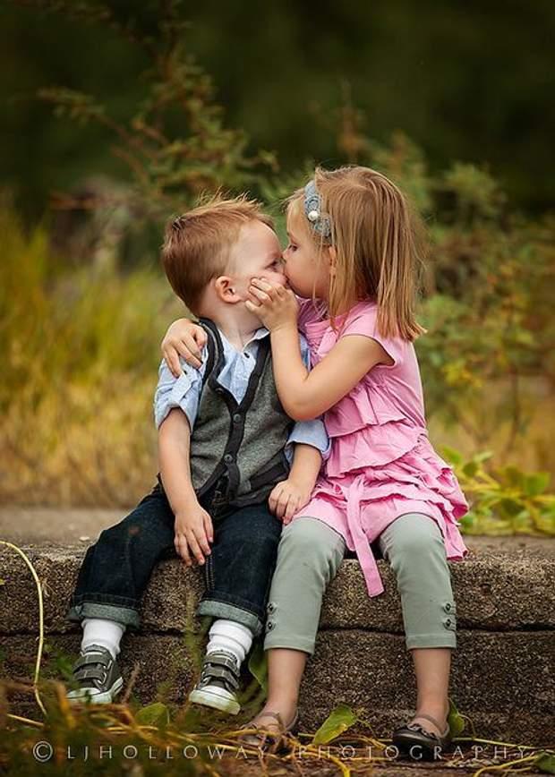Діти перше кохання