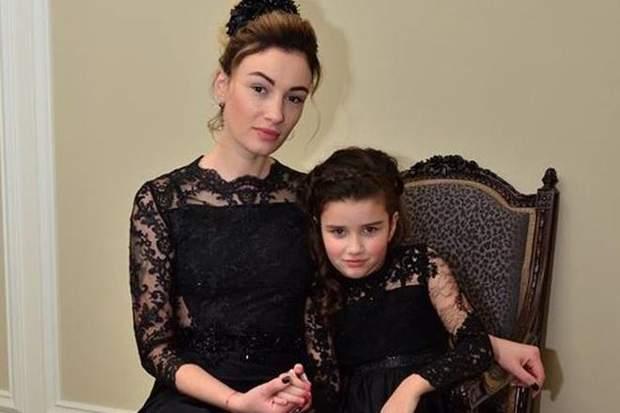 Анастасія Приходько з донькою