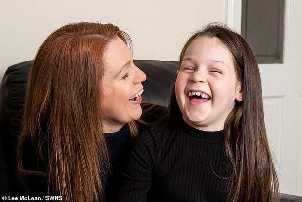 Дівчинка зробила серцево-легеневу реанімацію для своєї мами