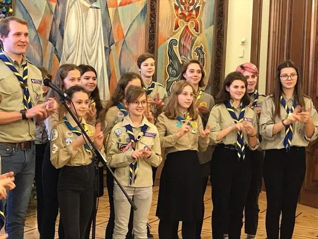 Скаути співали пісні для Президента України