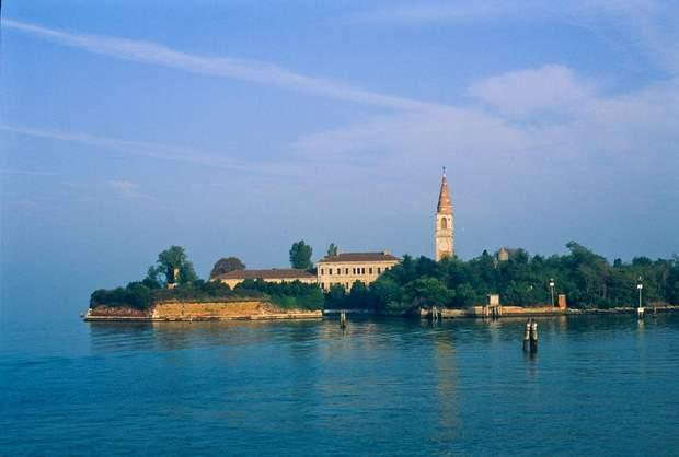 Острів Повелья Італія чума