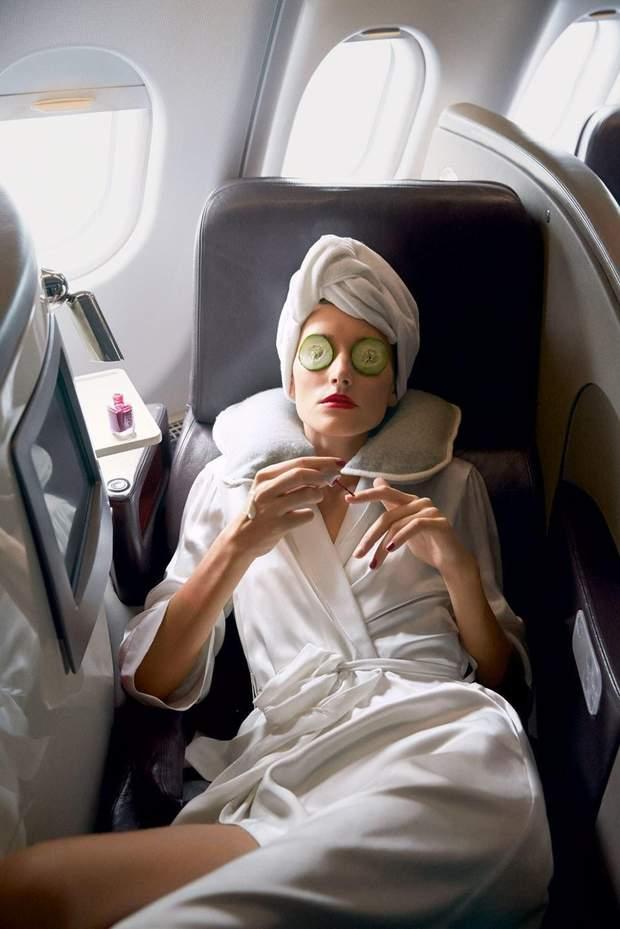 Як доглядати за шкірою обличчя в літаку