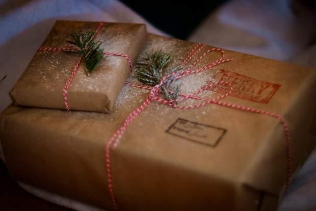 Не варто витрачати гроші на пакування подарунків для близьких людей