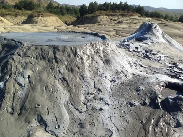 Грязьові вулкани у Румунії