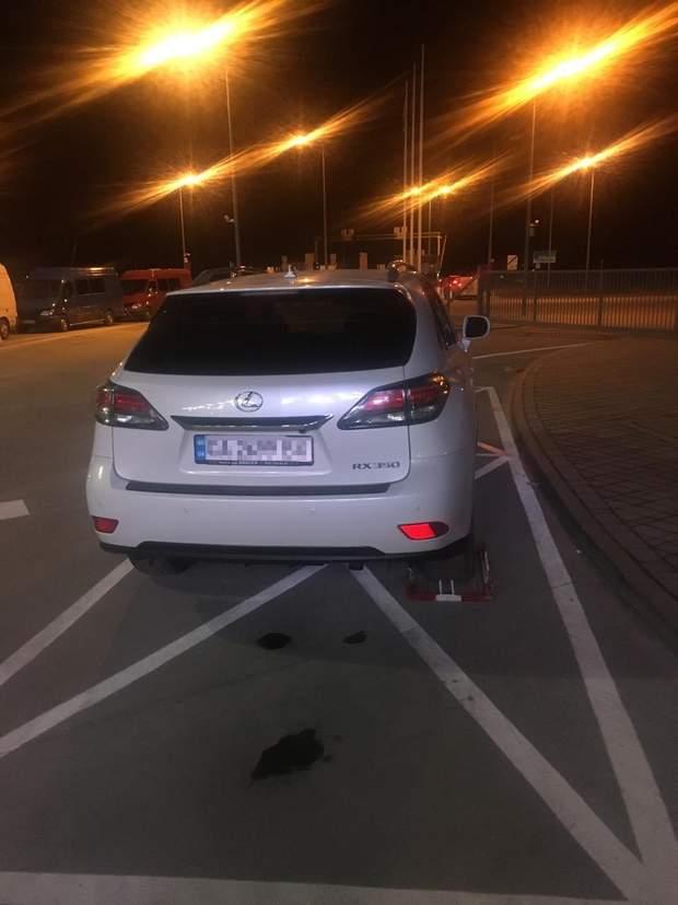 автомобіль кордон росія