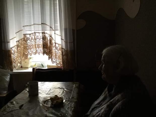 Померла бабуся Наталки Карпи