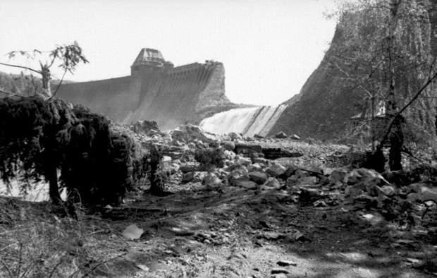 Дамба Менезе НІмеччина бомбардування Велика Британія авіація Друга світова війна