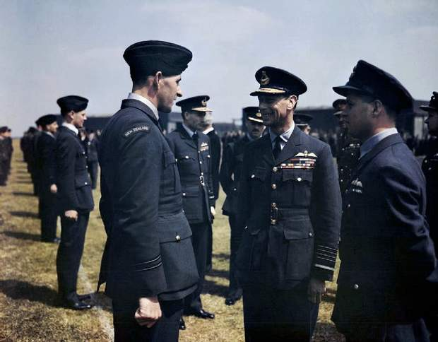 Король Георг VI Велика Британія авіація Друга світова війна бомбардування