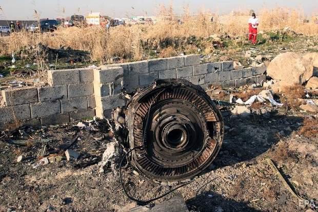 двигатели сбитого самолета МАУ в Иране