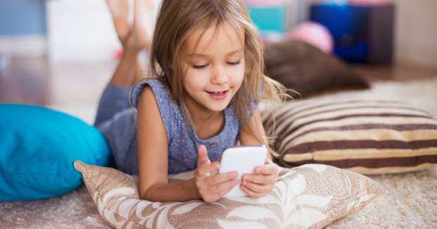 Не дозволяйте дітям користуватися телефоном більше 2 годин
