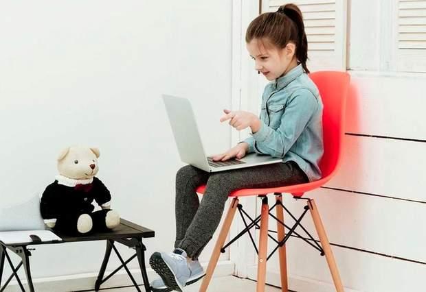 Дитина веде блог