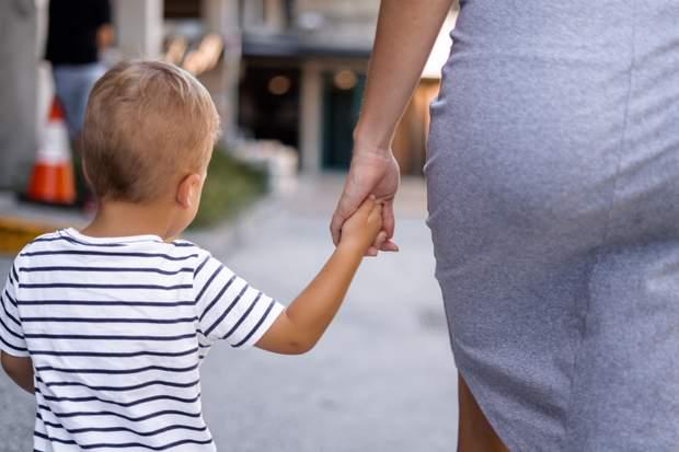 Як підтримувати батьків дитини, коли малюк захворів / Unsplash