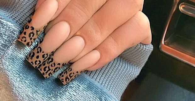 Приклад леопардового френчу недавно продемонструвала мільярдерка Кайлі Дженнер