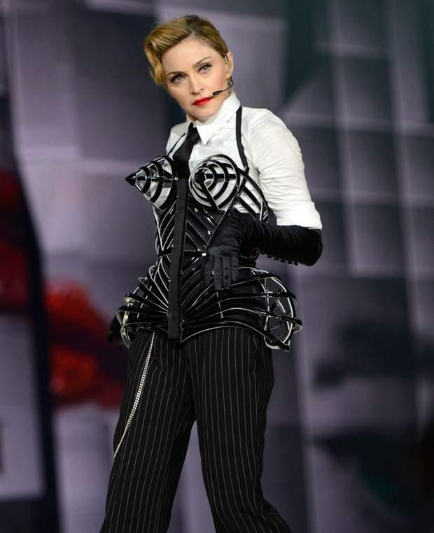 Мадонна у вбранні від Жана-Поля Готьє