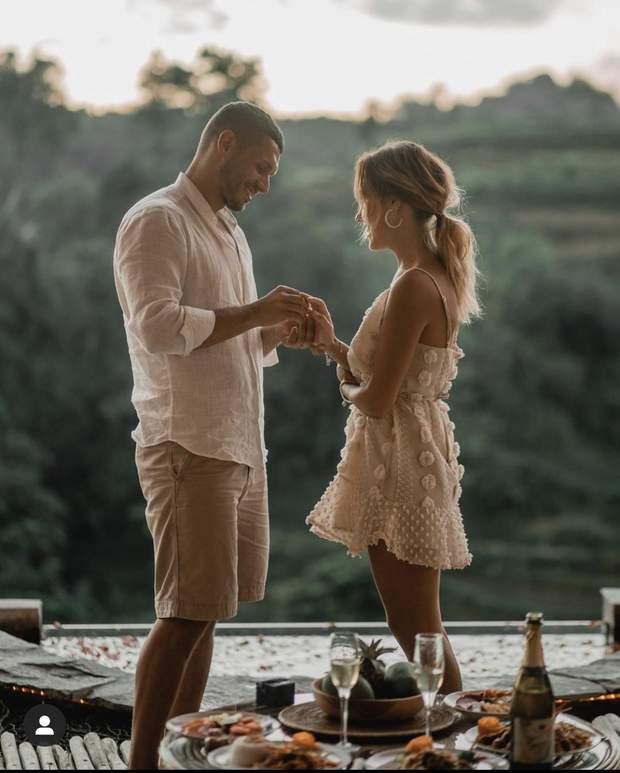 Нікіта Добринін одружується