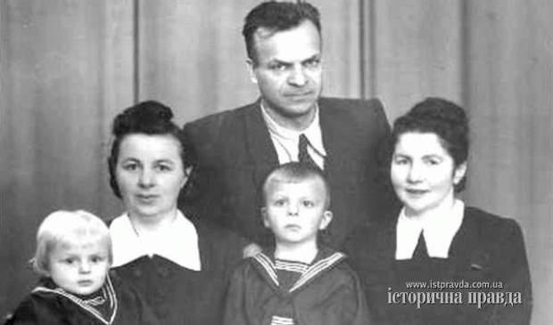 олекса гірник з родиною