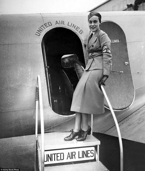 Перші стюардеси