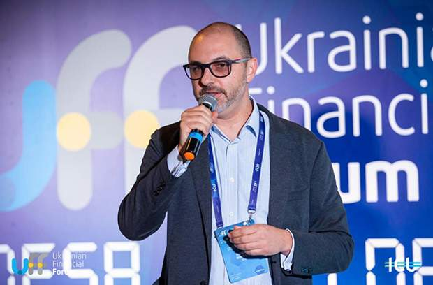Роман Нікітов