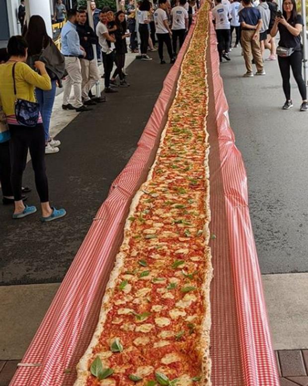 103 метри піца австралія
