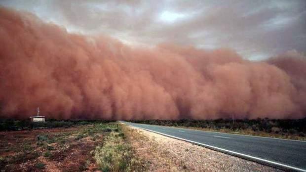 Пылевая буря в Австралии