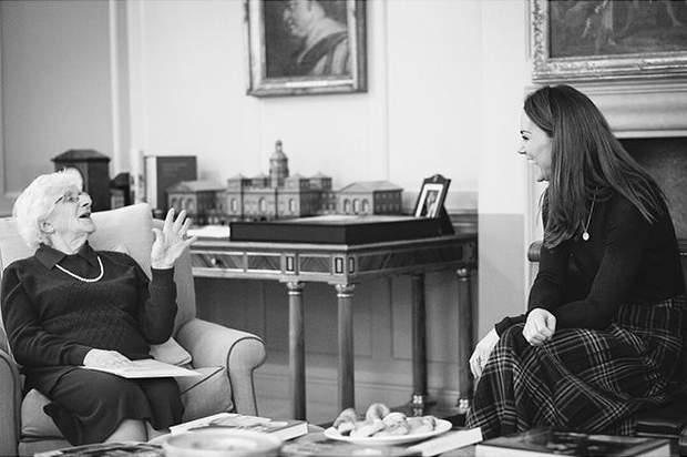 Кейт Міддлтон на офіційній зустрічі у палаці