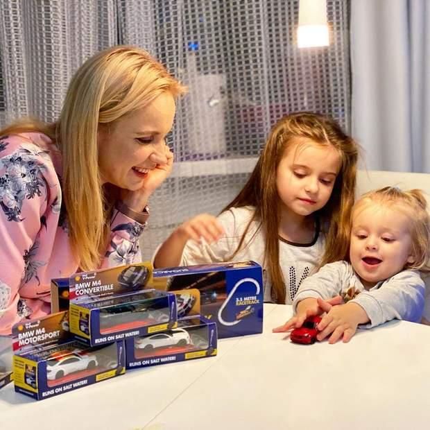Лілія Ребрик з дітьми