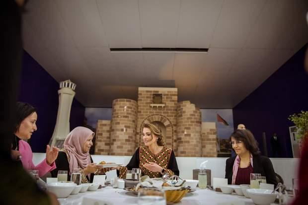 Ранія влаштувала обід для жінок