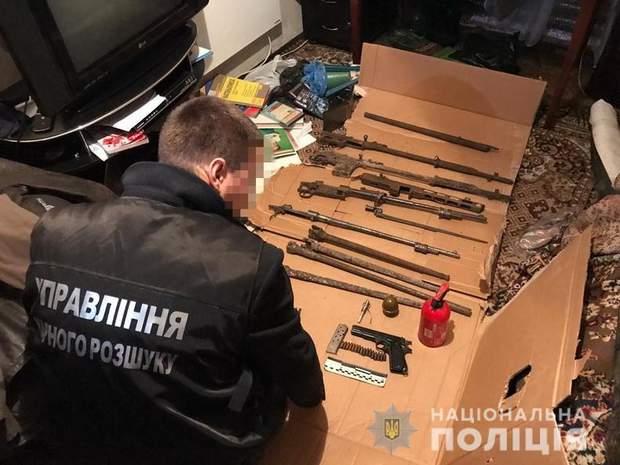 обыски в боевика, арсенал оружия