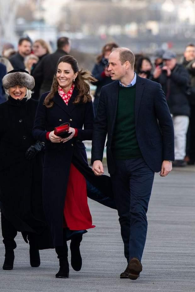 Кейт Миддлтон поддержала принца Уильяма во время визита: какой образ выбрала герцогиня