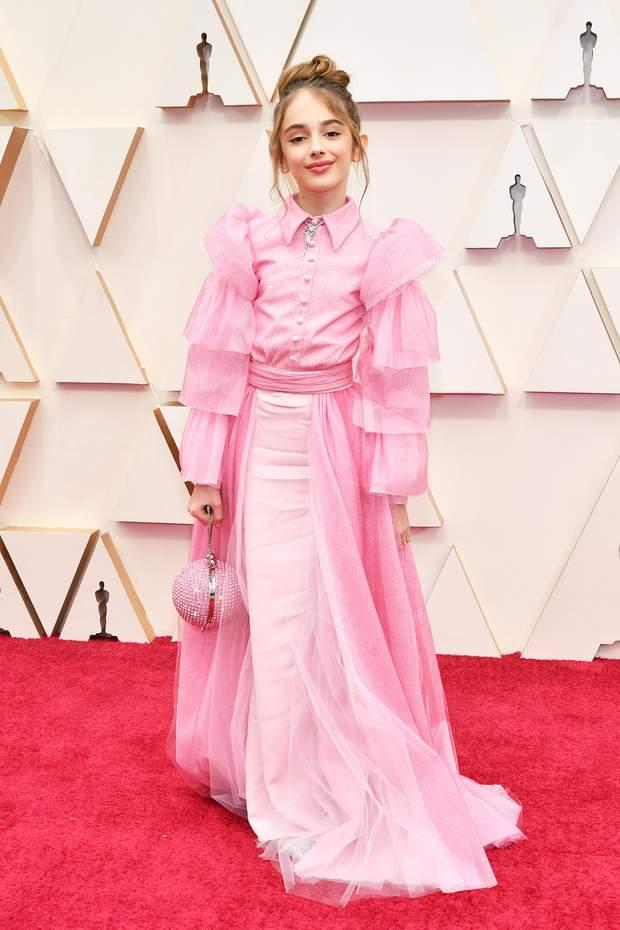 Джулія Баттерс на червоній доріжці Оскара-2020