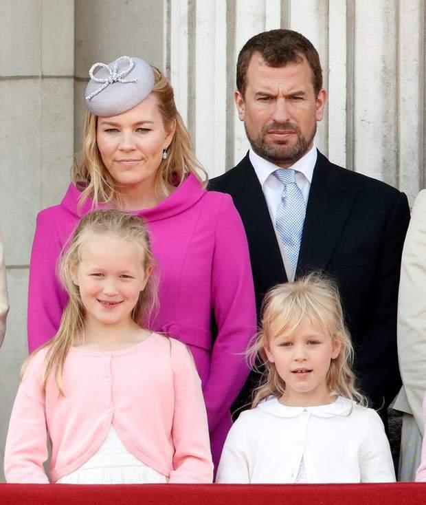 Пітер Філіпс з дружиною та дітьми