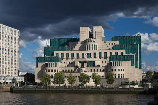 Штаб-квартира SIS в Лондоні