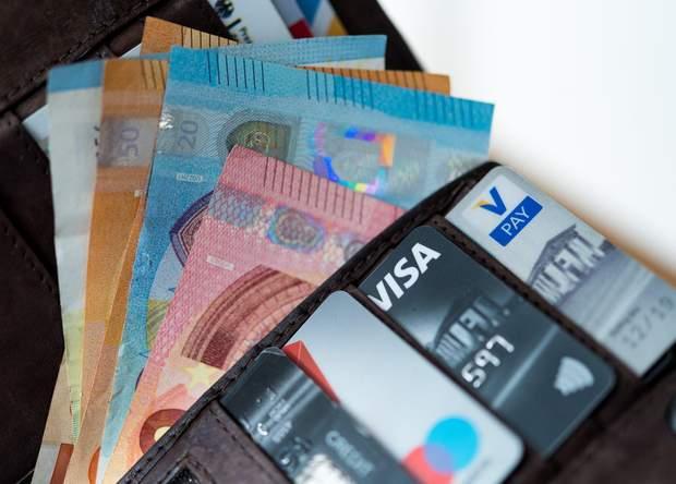 банківська картка, перерахунок грошей