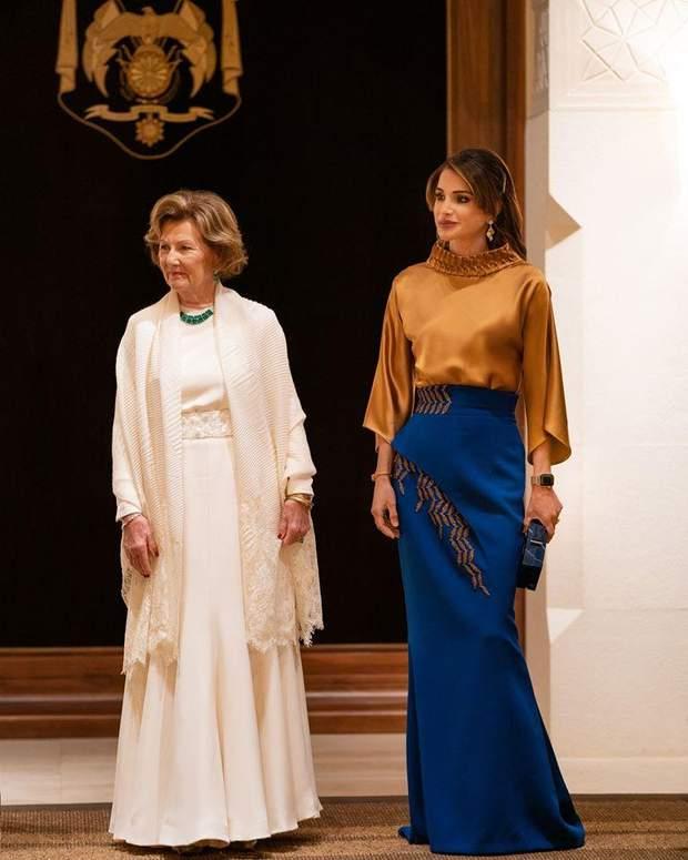 Королеви Йорданії та Норвегії на урочистому прийомі