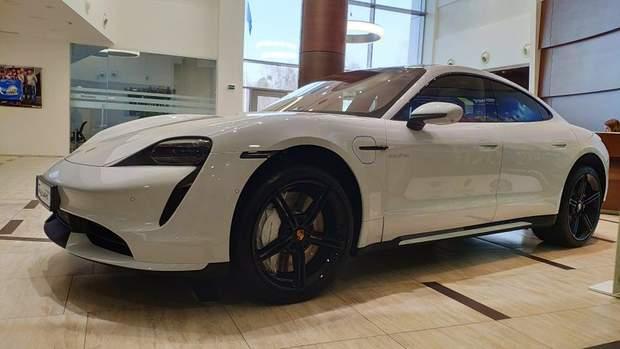 Українці розкупили усю партію електрокарів  Porsche на 2020 рік