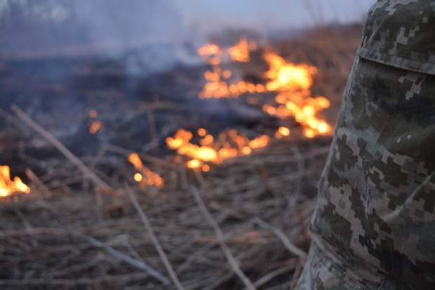 Мар'їнка, пожежа, обстріл