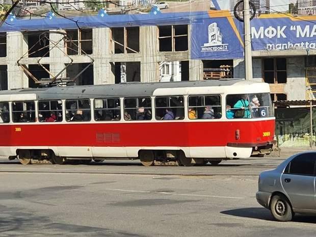 Харків без метро, переповнені маршрутки і трамваї
