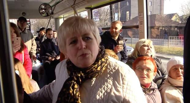 Кількість людей в автобусі
