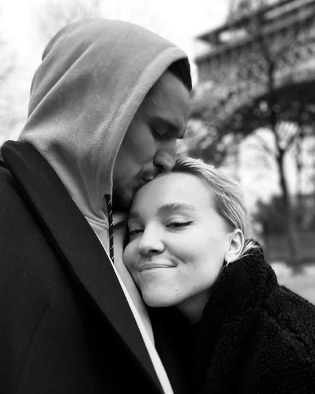 Тарас Цимбалюк з коханою дівчиною