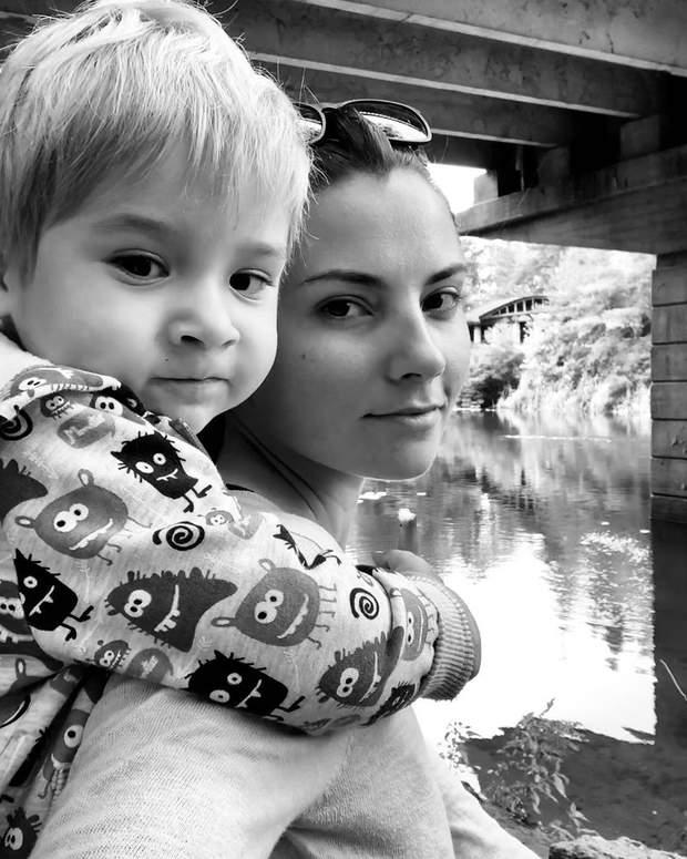 Антоніна Хижняк з сином